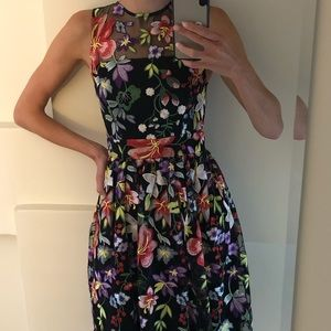 NM Neiman Marcus dress embroidered flower overlay